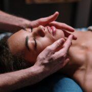 tratament facial cu oxigen hiperbaric - cinnamon beauty salon