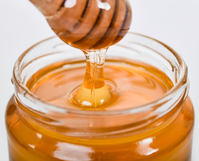 tratament acnee acasa - miere