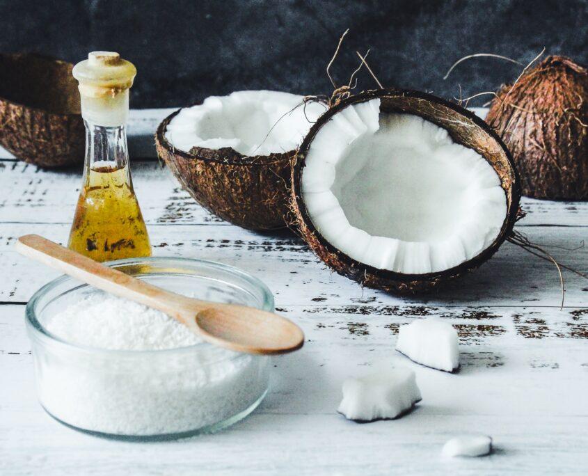 par uscat: ulei de cocos